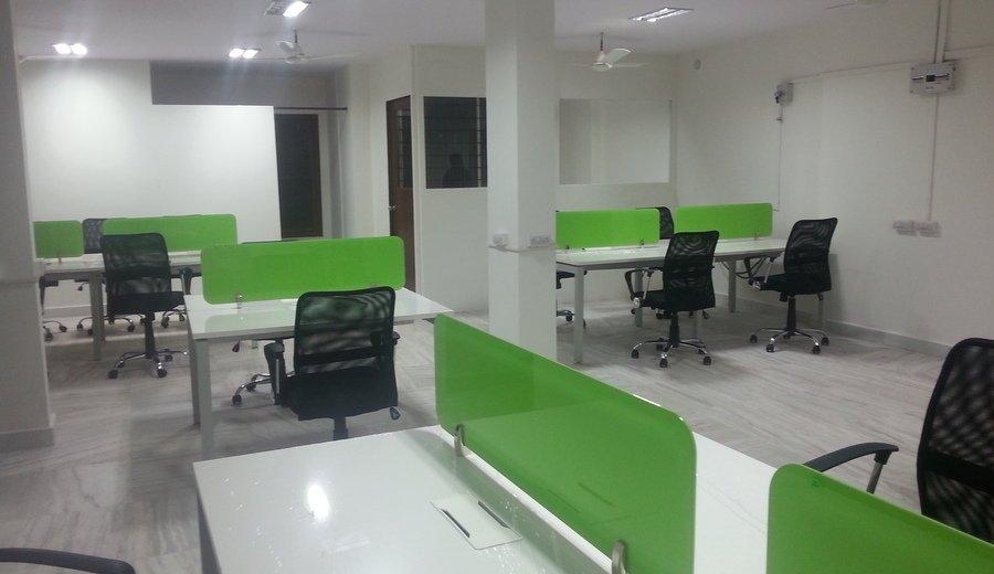 Kancelarijska radna stolica RSO102 u prostoru