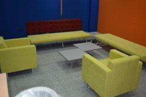 klub-fotelja-kf2111-slika-u-prostoru